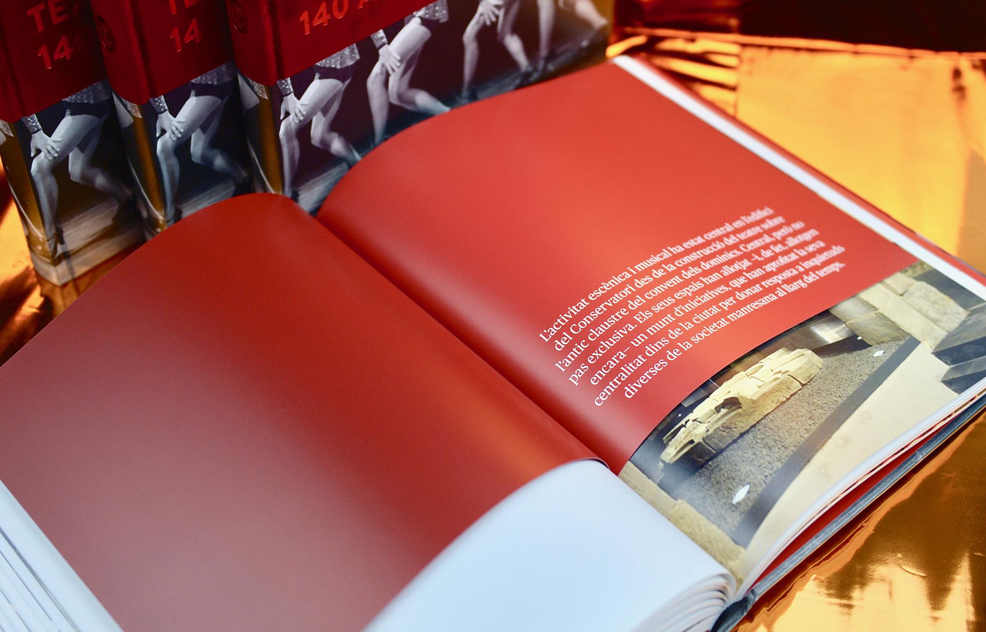 """Interior libro """"140 anys d'emocions"""""""