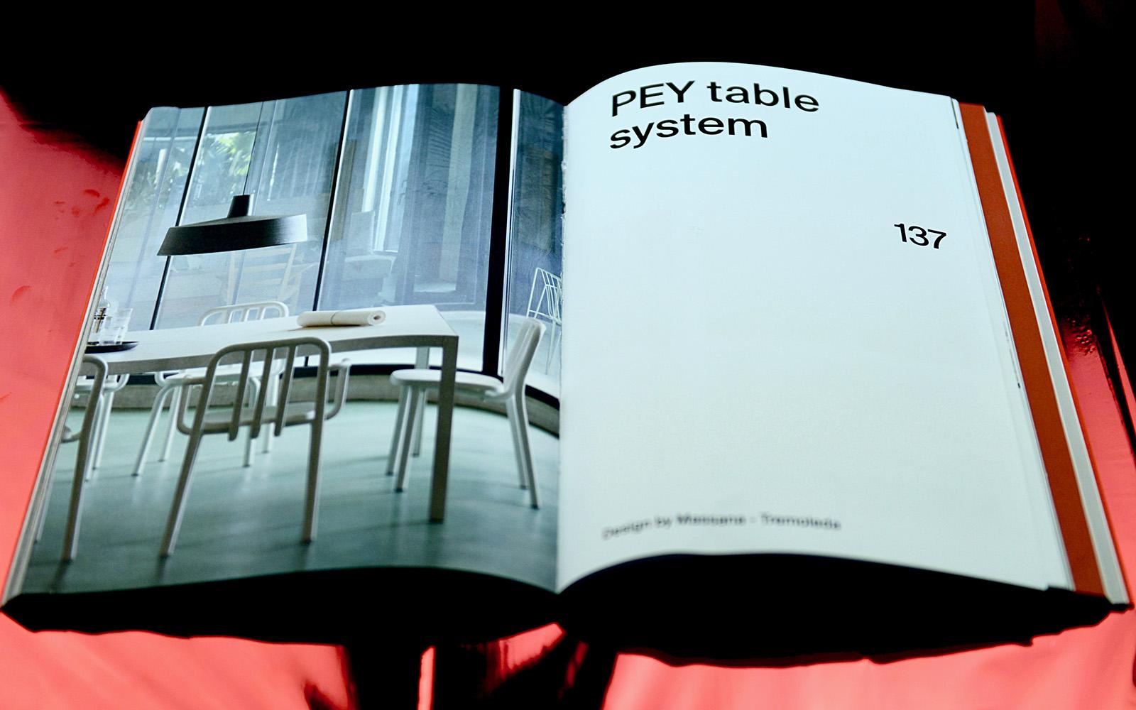 Interior catálogo mesa PEY